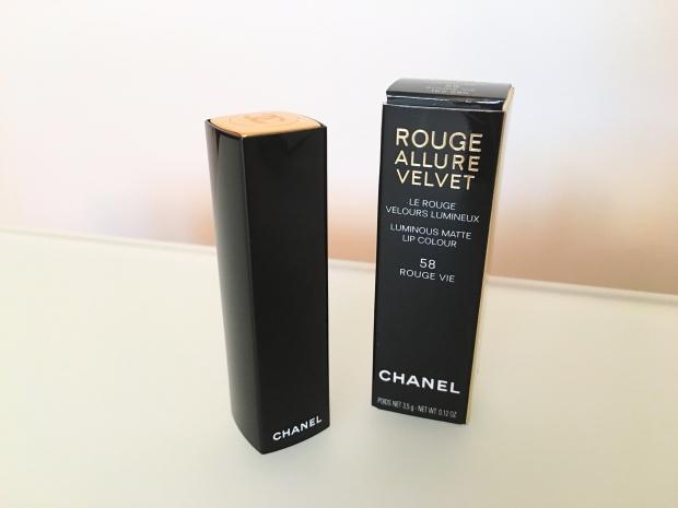 Chanel Le Rouge Rouge Allure Velvet 2.JPG