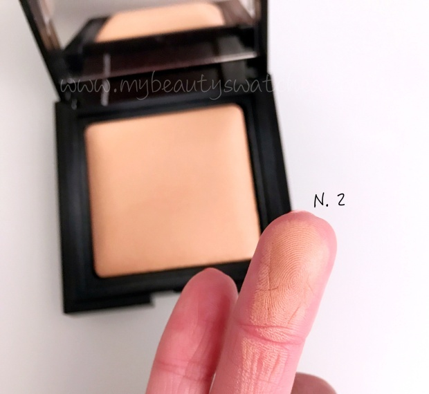Laura Mercier Candleglow Sheer Perfecting Powder swatch.jpg